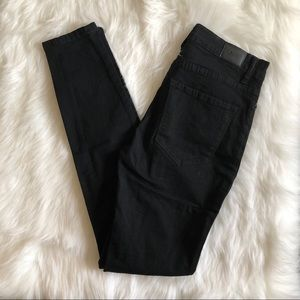 [bdg] black high rise twig skinny jean